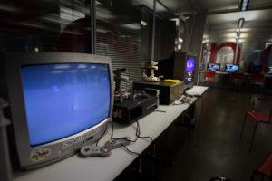 Super- und Famicombox, Hotel-Geräte aus Japan für Autonomen Betrieb